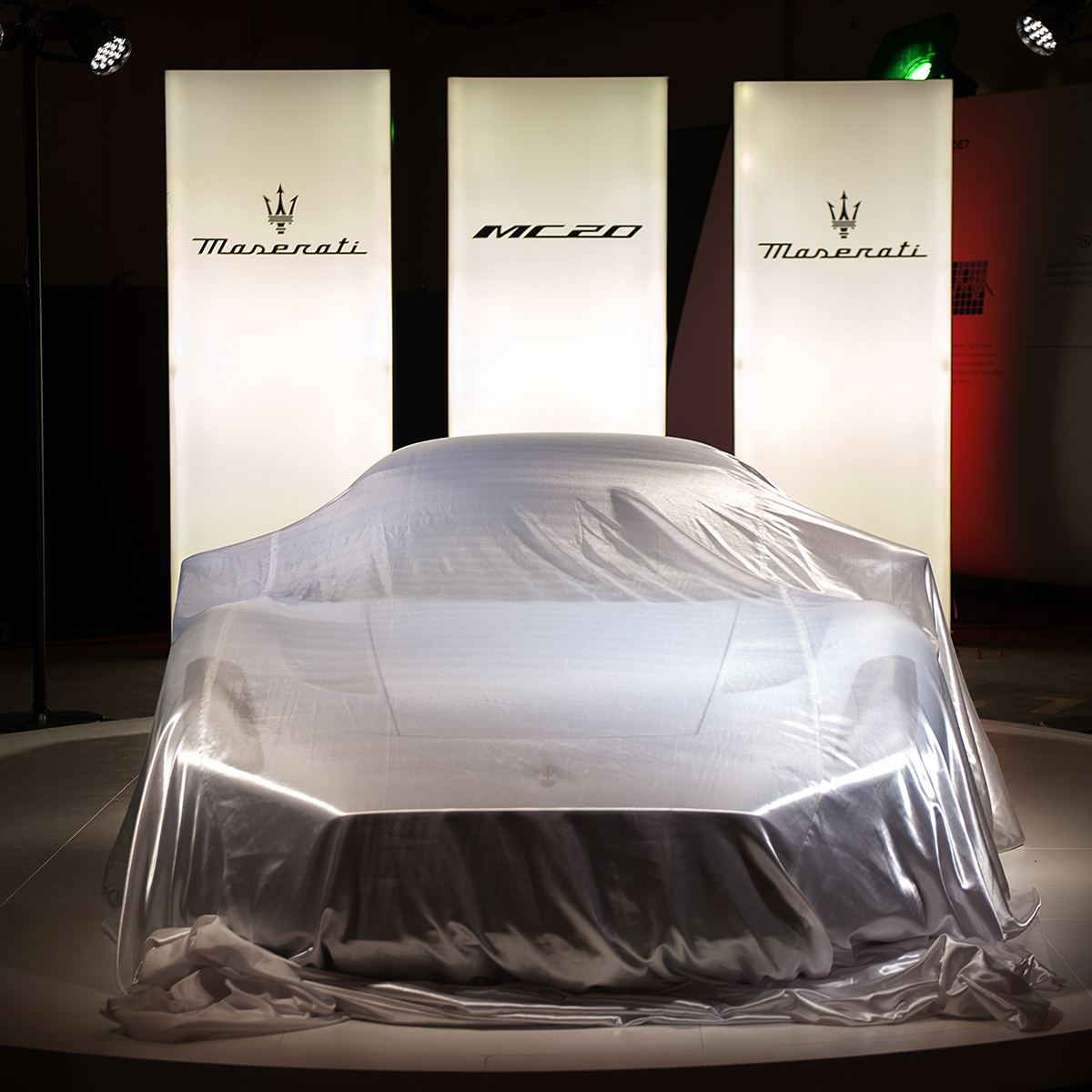 20-Maserati-MC20Roadshow-USP-1