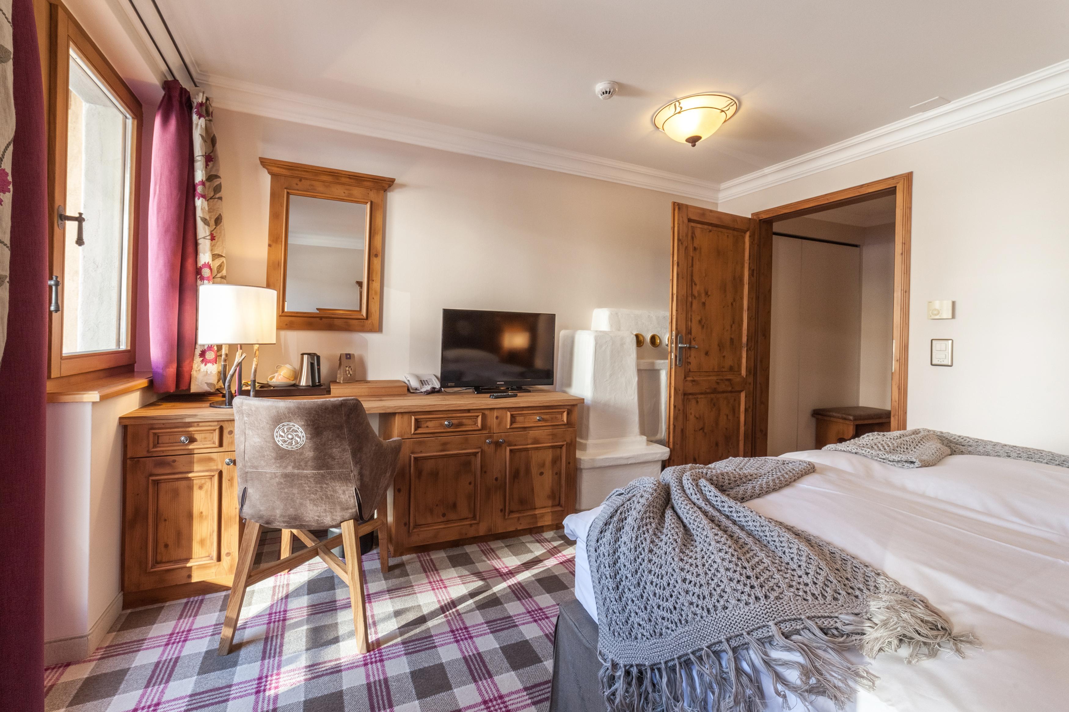 hotelzimmer-und-ferienwohnungen-bieten-den-idealen-platz-fuer-home-office-direkt-am-pistenrand-6038501