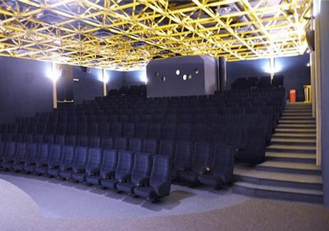 Cinemas-de-Sion---Lux