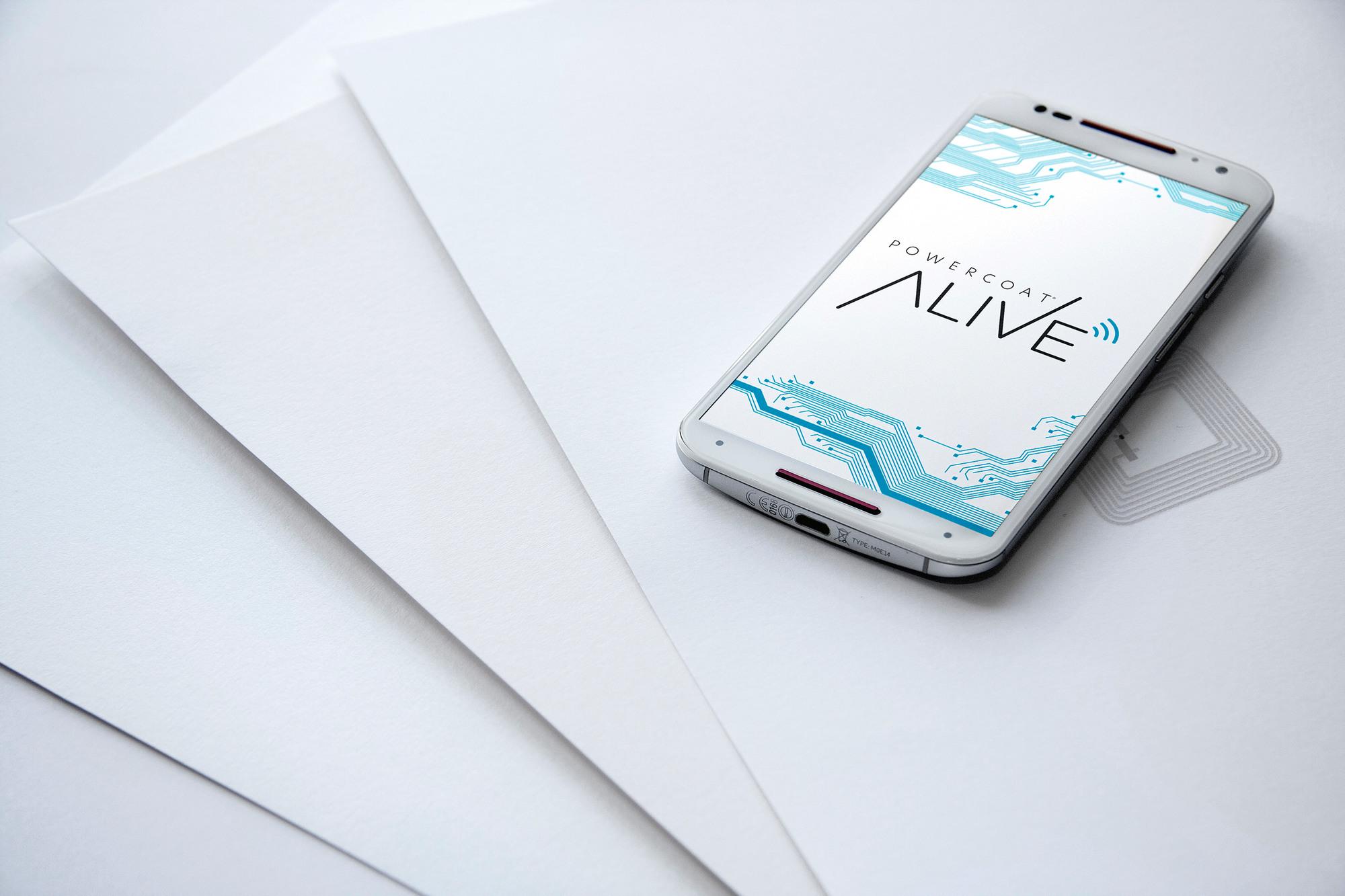 Mit PowerCoat Alive ist bei Antalis ein Papier erhältlich, welches einen integrierten NFC-Chip besitzt.